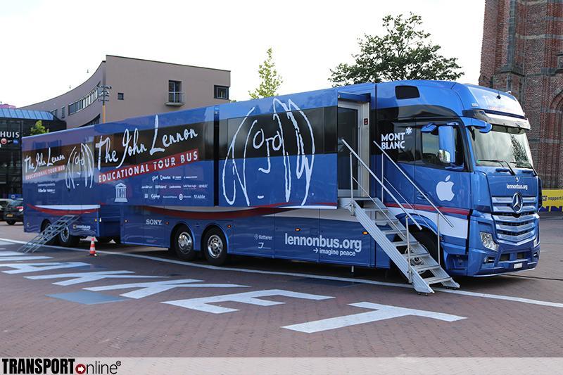John Lennon 'Bus'