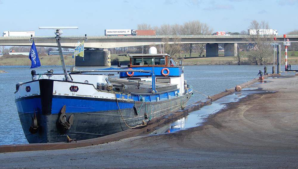 Binnenvaartschip LIA