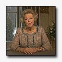 Koningin bezorgt over virtuele contacten [+video]