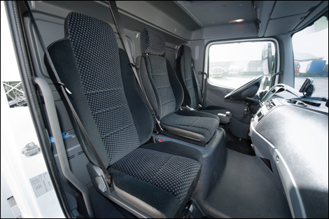 http://www.transport-online.nl/site/images/nieuws/2012-02/2012/Atego_Interieur.jpg