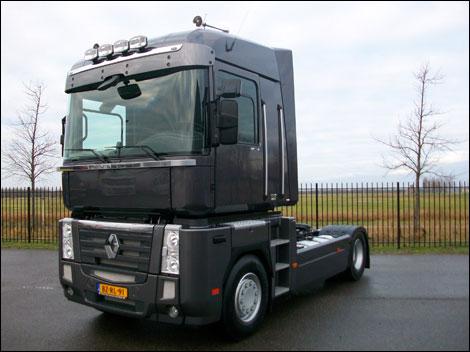 transport online transportnieuws transport online opnieuw renault trucks voor huurman. Black Bedroom Furniture Sets. Home Design Ideas