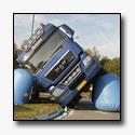 Vrachtwagen kantelt op N397 [+foto]