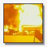 Vuurzee na ongeval met tankwagen op Californische snelweg [+video]