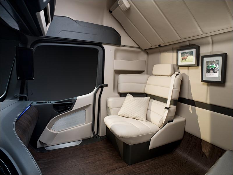 Transport Online - Mercedes-Benz Future Truck 2025 beleeft ...
