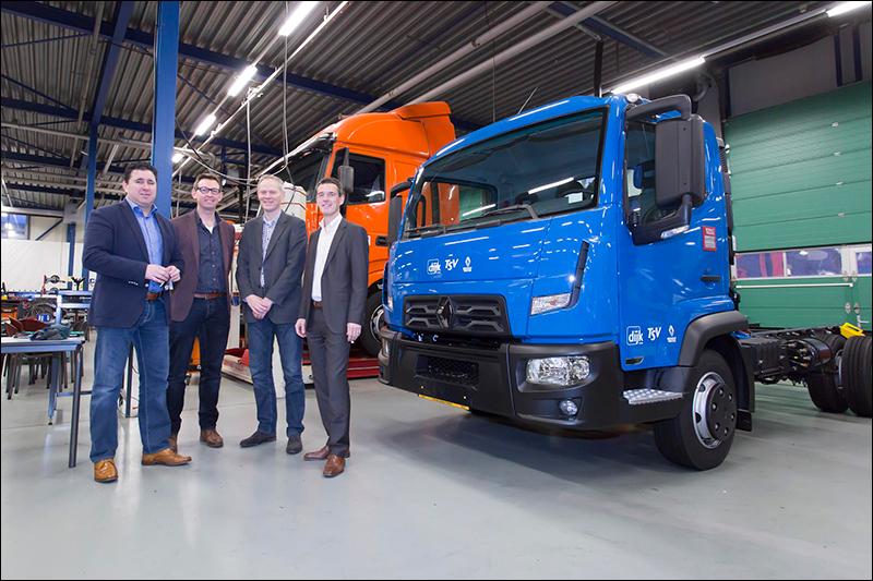 transport online transportnieuws transport online renault trucks d cab 2m voor. Black Bedroom Furniture Sets. Home Design Ideas