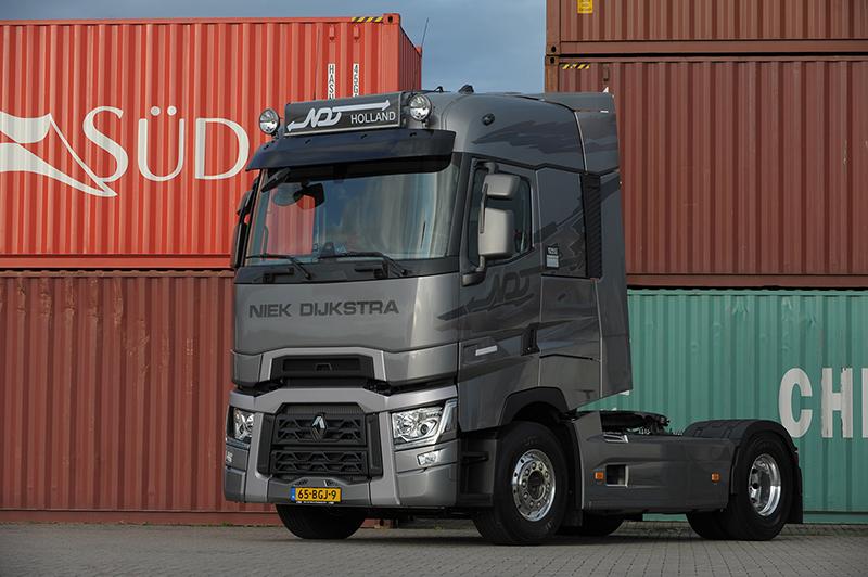 transport online transportnieuws transport online drie renault trucks t voor niek dijkstra. Black Bedroom Furniture Sets. Home Design Ideas