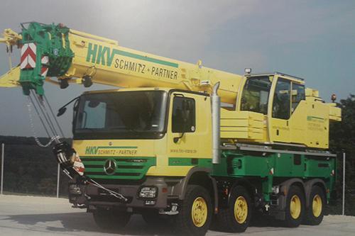 Transport online duitse politie zoekt gestolen for Vrachtwagen kipper met kraan