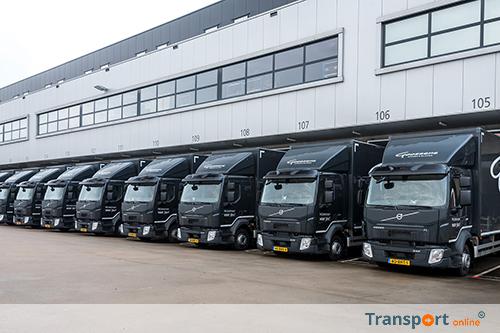 Transport online vijftien volvo fl bakwagens voor for Goossens meubelen