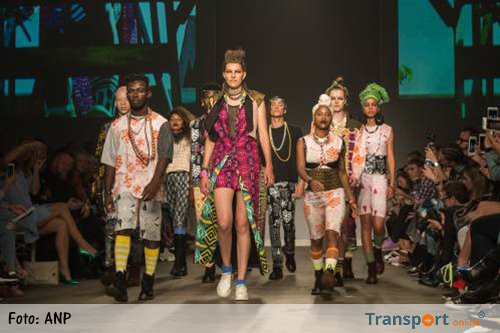 TMG zet International Fashion Week in etalage