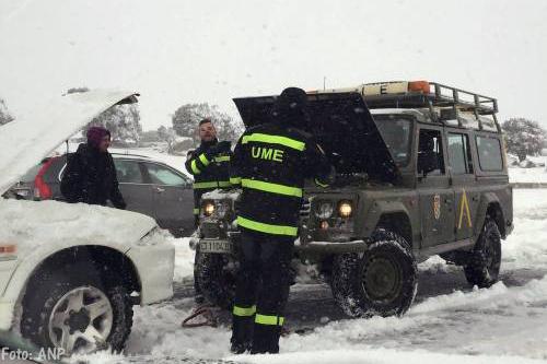 Transport Online Spanje Zet Leger In Bij Sneeuwoverlast