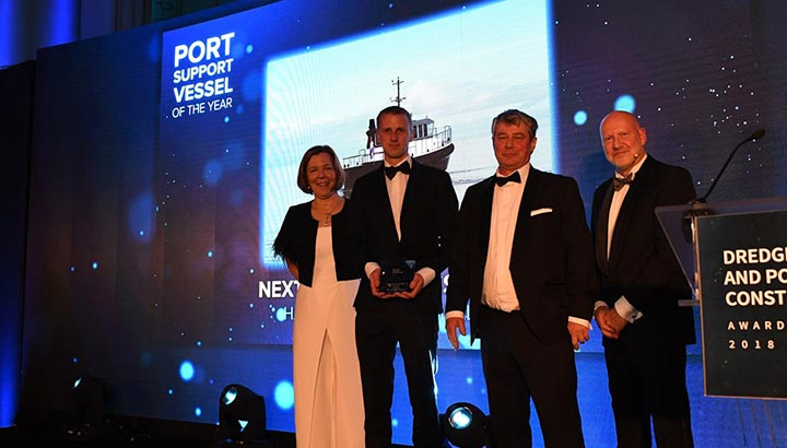 Peilboot North Sea Port 'Harmonie' wint Port Support Vessel of the Year award