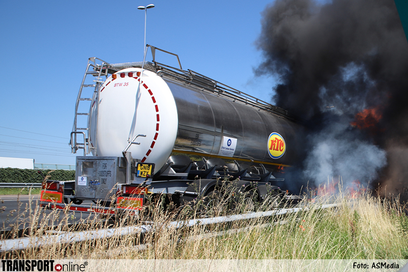 Tankwagen in brand op A4 [foto+video]
