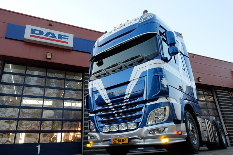 Derde uit serie van vijf nieuwe DAF's afgeleverd bij Transportbedrijf J. De Groot & Zn