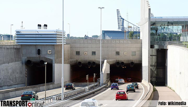 Files door defecte verlichting Beneluxtunnel